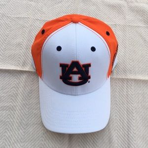 New Men's Under Armour Auburn Tigers Hat M/L
